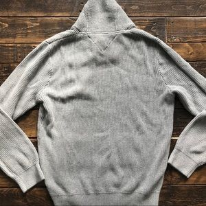 Tommy Hilfiger Sweaters - NWT Men's Tommy Hilfiger Gray Collared Sweater